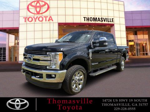 Pre-Owned 2017 Ford Super Duty F-250 SRW Lariat With Navigation & 4WD
