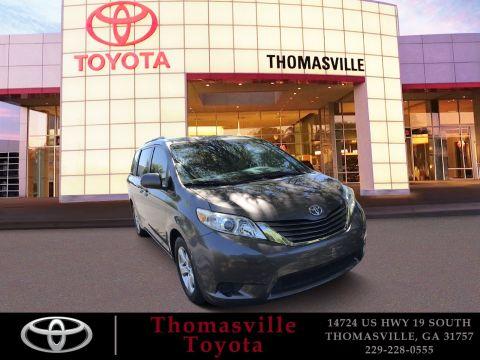 Pre-Owned 2015 Toyota Sienna LE FWD Mini-van, Passenger
