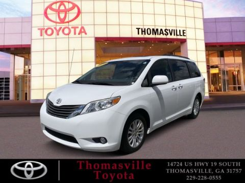 Pre-Owned 2012 Toyota Sienna XLE